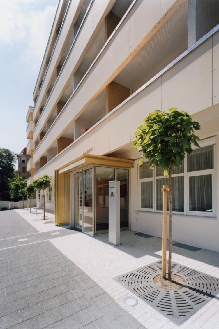 Kliniken und Sozialbauten Blindenwohnheim Berlin 2004 buerohauser